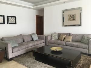 Apartamento En Alquileren Santo Domingo, Serralles, Republica Dominicana, DO RAH: 18-243