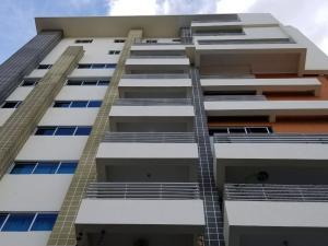 Apartamento En Alquileren Santo Domingo, Evaristo Morales, Republica Dominicana, DO RAH: 18-267