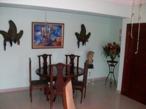 Apartamento En Alquileren Santo Domingo, Bella Vista, Republica Dominicana, DO RAH: 18-275