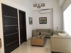 Apartamento En Alquileren Santo Domingo, Naco, Republica Dominicana, DO RAH: 18-285