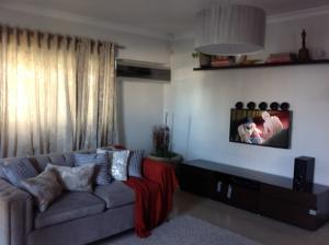 Apartamento En Alquileren Santo Domingo, Bella Vista, Republica Dominicana, DO RAH: 18-287