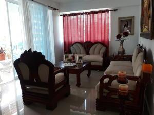 Apartamento En Ventaen Santo Domingo, Evaristo Morales, Republica Dominicana, DO RAH: 18-310