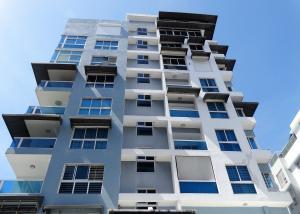 Apartamento En Ventaen Santo Domingo, Evaristo Morales, Republica Dominicana, DO RAH: 18-425