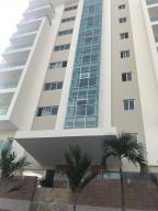 Apartamento En Ventaen Santo Domingo, Bella Vista, Republica Dominicana, DO RAH: 18-434
