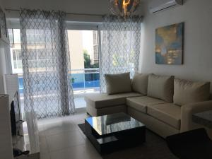 Apartamento En Alquileren Distrito Nacional, Serralles, Republica Dominicana, DO RAH: 18-488