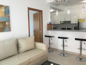 Apartamento En Alquileren Santo Domingo Dtto Nacional, Serralles, Republica Dominicana, DO RAH: 18-523