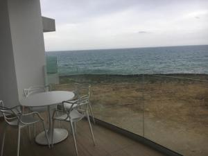 Apartamento En Ventaen Beach Walk, Juan Dolio, Republica Dominicana, DO RAH: 18-540