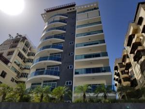 Apartamento En Alquileren Santo Domingo Dtto Nacional, Bella Vista, Republica Dominicana, DO RAH: 18-551