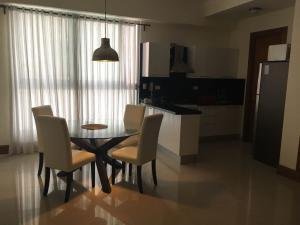 Apartamento En Alquileren Santo Domingo Dtto Nacional, Serralles, Republica Dominicana, DO RAH: 18-562