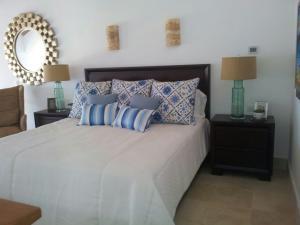 Apartamento En Ventaen La Romana, La Romana, Republica Dominicana, DO RAH: 18-618