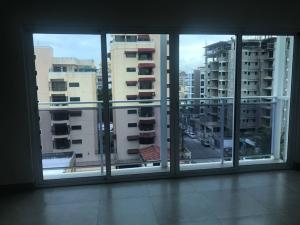 Apartamento En Alquileren Santo Domingo Dtto Nacional, Evaristo Morales, Republica Dominicana, DO RAH: 18-630