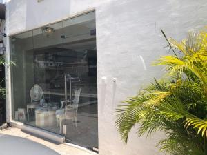 Local Comercial En Alquileren Santo Domingo Dtto Nacional, Naco, Republica Dominicana, DO RAH: 18-655