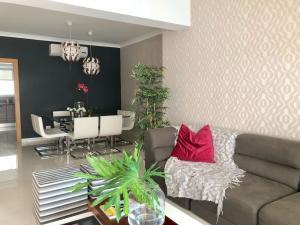 Apartamento En Ventaen Santo Domingo Dtto Nacional, Piantini, Republica Dominicana, DO RAH: 18-702