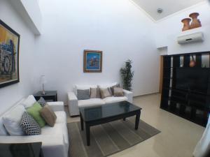 Apartamento En Alquileren Santo Domingo Dtto Nacional, Vergel, Republica Dominicana, DO RAH: 18-521