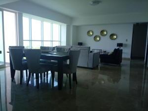 Apartamento En Alquileren Santo Domingo Dtto Nacional, Los Cacicazgos, Republica Dominicana, DO RAH: 18-756