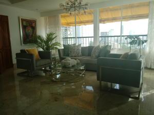 Apartamento En Ventaen Santo Domingo Dtto Nacional, Mirador Sur, Republica Dominicana, DO RAH: 18-757