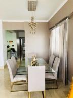 Apartamento En Alquileren Santo Domingo Dtto Nacional, Piantini, Republica Dominicana, DO RAH: 18-777