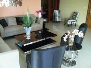 Apartamento En Ventaen Santo Domingo Dtto Nacional, Serralles, Republica Dominicana, DO RAH: 18-804