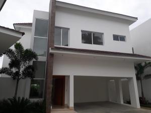 Casa En Alquileren Beach Walk, Altos De Arroyo Hondo, Republica Dominicana, DO RAH: 18-815