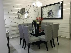 Apartamento En Alquileren Santo Domingo Dtto Nacional, Evaristo Morales, Republica Dominicana, DO RAH: 18-829