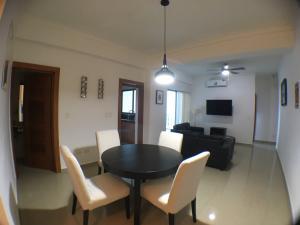 Apartamento En Ventaen Distrito Nacional, El Vergel, Republica Dominicana, DO RAH: 18-692