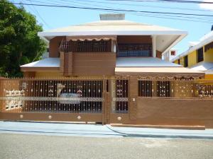 Casa En Ventaen Distrito Nacional, Miramar, Republica Dominicana, DO RAH: 18-864