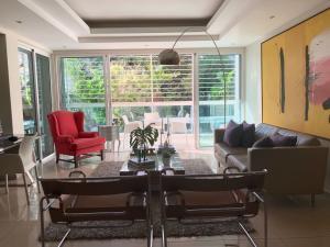 Apartamento En Alquileren Santo Domingo Dtto Nacional, Evaristo Morales, Republica Dominicana, DO RAH: 18-867