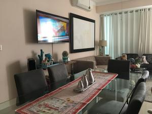 Apartamento En Ventaen Santo Domingo Dtto Nacional, Serralles, Republica Dominicana, DO RAH: 18-869