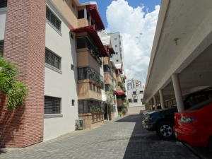 Apartamento En Alquileren Distrito Nacional, Evaristo Morales, Republica Dominicana, DO RAH: 18-889