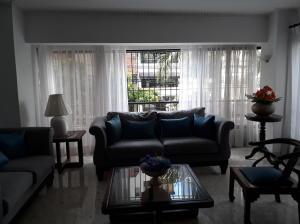 Apartamento En Alquileren Distrito Nacional, Naco, Republica Dominicana, DO RAH: 18-952