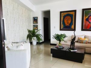 Apartamento En Ventaen Santo Domingo Dtto Nacional, Serralles, Republica Dominicana, DO RAH: 18-958