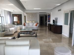 Apartamento En Alquileren Distrito Nacional, La Esperilla, Republica Dominicana, DO RAH: 18-984