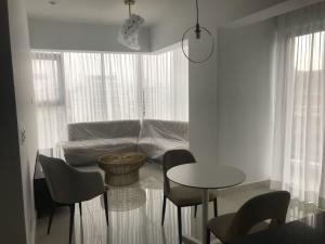 Apartamento En Alquileren Distrito Nacional, Piantini, Republica Dominicana, DO RAH: 18-465