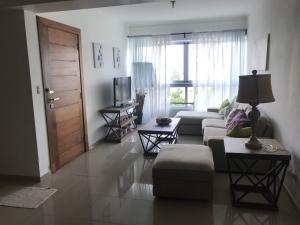 Apartamento En Alquileren Santo Domingo Dtto Nacional, Piantini, Republica Dominicana, DO RAH: 18-997