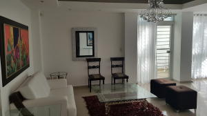 Apartamento En Alquileren Santo Domingo Dtto Nacional, Evaristo Morales, Republica Dominicana, DO RAH: 18-1004