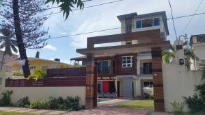 Edificio En Ventaen Juan Dolio, Guayacanes, Republica Dominicana, DO RAH: 18-1011