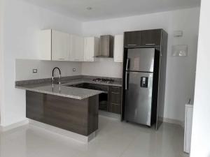 Apartamento En Alquileren Santo Domingo Dtto Nacional, Piantini, Republica Dominicana, DO RAH: 18-1075