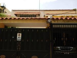 Local Comercial En Alquileren Distrito Nacional, Los Cacicazgos, Republica Dominicana, DO RAH: 18-1148