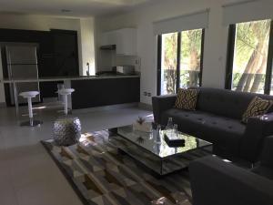 Apartamento En Alquileren Distrito Nacional, Piantini, Republica Dominicana, DO RAH: 18-1355
