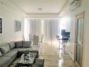 Apartamento En Alquileren Distrito Nacional, Piantini, Republica Dominicana, DO RAH: 18-1366