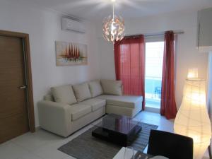 Apartamento En Alquileren Distrito Nacional, Serralles, Republica Dominicana, DO RAH: 18-1381