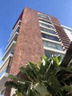 Apartamento En Alquileren Distrito Nacional, Serralles, Republica Dominicana, DO RAH: 18-1407