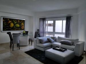 Apartamento En Alquileren Distrito Nacional, El Vergel, Republica Dominicana, DO RAH: 19-200