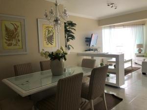 Apartamento En Alquileren Distrito Nacional, Evaristo Morales, Republica Dominicana, DO RAH: 19-241