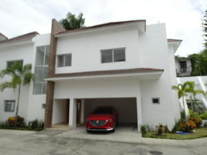 Casa En Alquileren Distrito Nacional, Cuesta Hermosa Ii, Republica Dominicana, DO RAH: 19-279