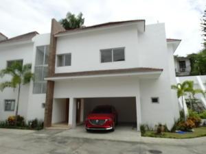 Casa En Ventaen Distrito Nacional, Cuesta Hermosa Ii, Republica Dominicana, DO RAH: 19-280