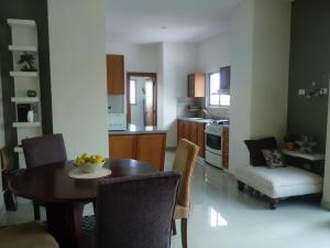 Apartamento En Ventaen Distrito Nacional, Evaristo Morales, Republica Dominicana, DO RAH: 19-422