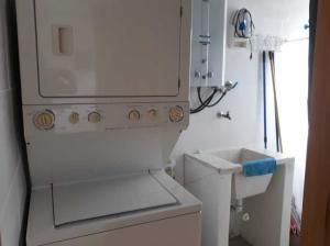Apartamento En Alquileren Distrito Nacional, Bella Vista, Republica Dominicana, DO RAH: 19-429