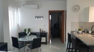 Apartamento En Alquileren Distrito Nacional, Piantini, Republica Dominicana, DO RAH: 19-552