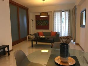 Apartamento En Alquileren Distrito Nacional, Evaristo Morales, Republica Dominicana, DO RAH: 19-609